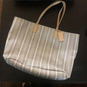 Perfect summer Coach tote bag